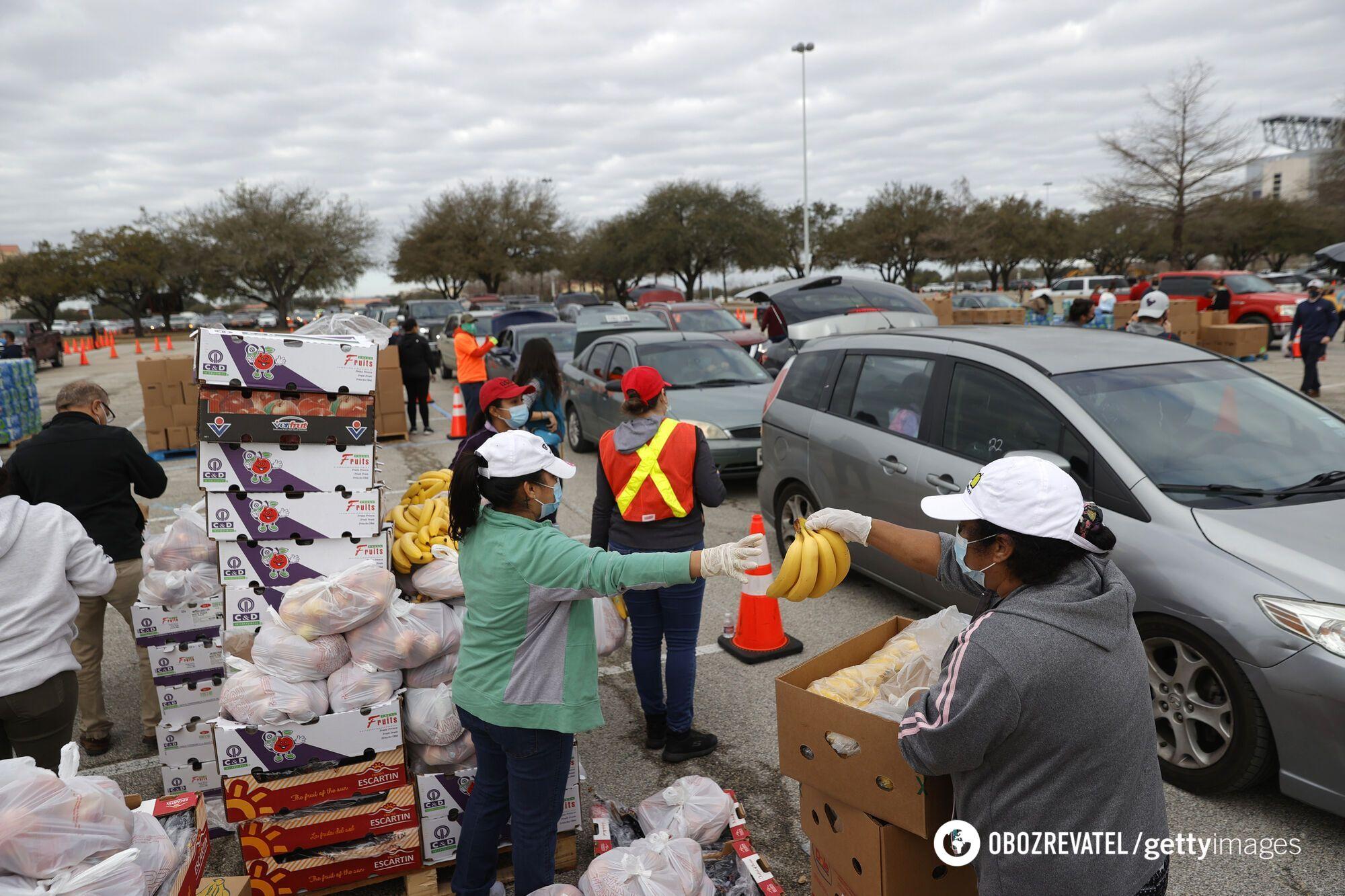 В Техасе бесплатно раздают продуктовые пайки