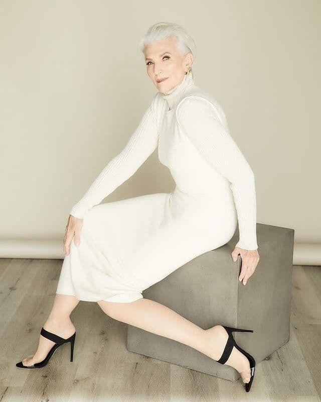 72-летняя Мэй Маск в белом платье