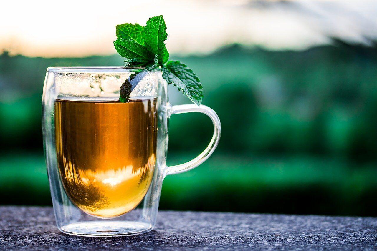 Большинство видов чая способствуют снижению скопления жира на животе