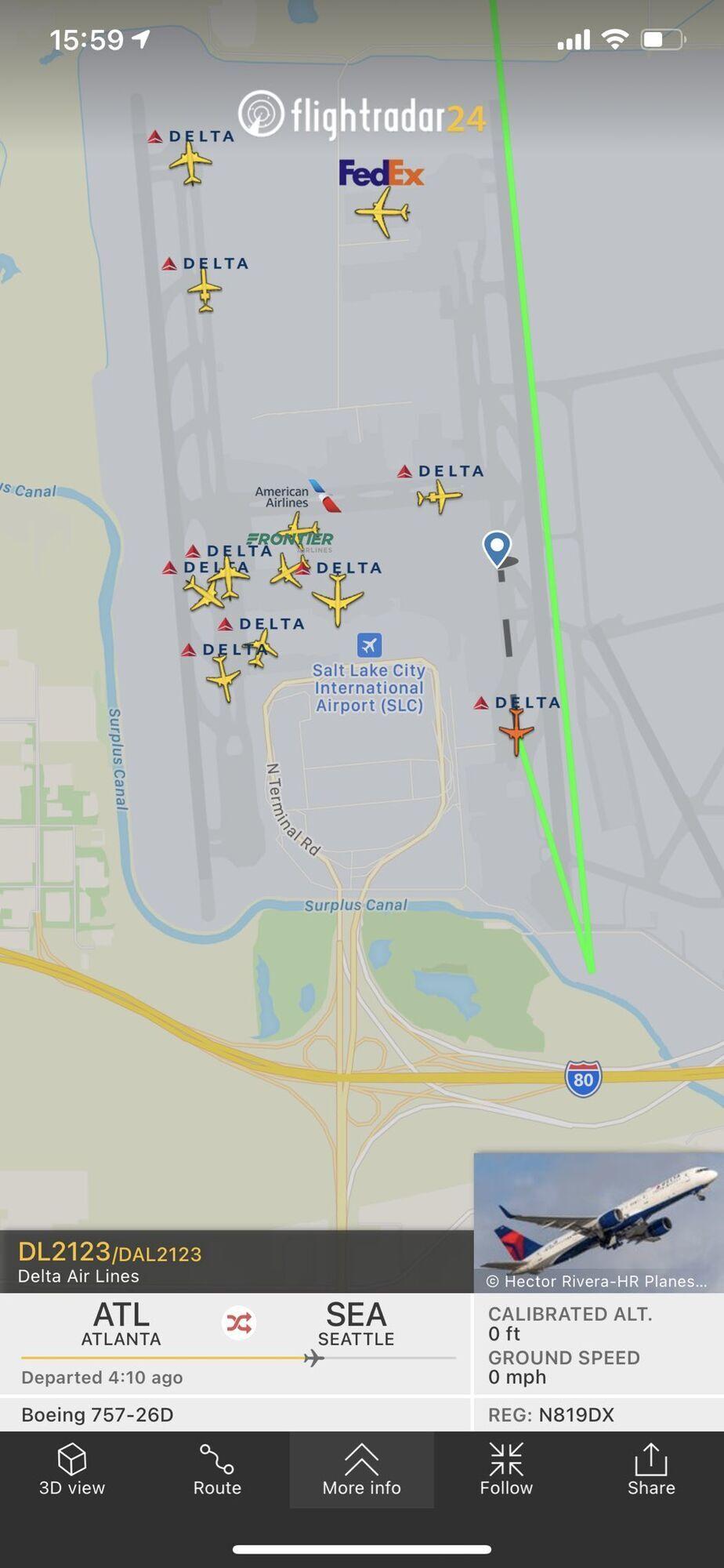 Рейс 2123 совершил аварийную посадку в Солт-Лейк-Сити