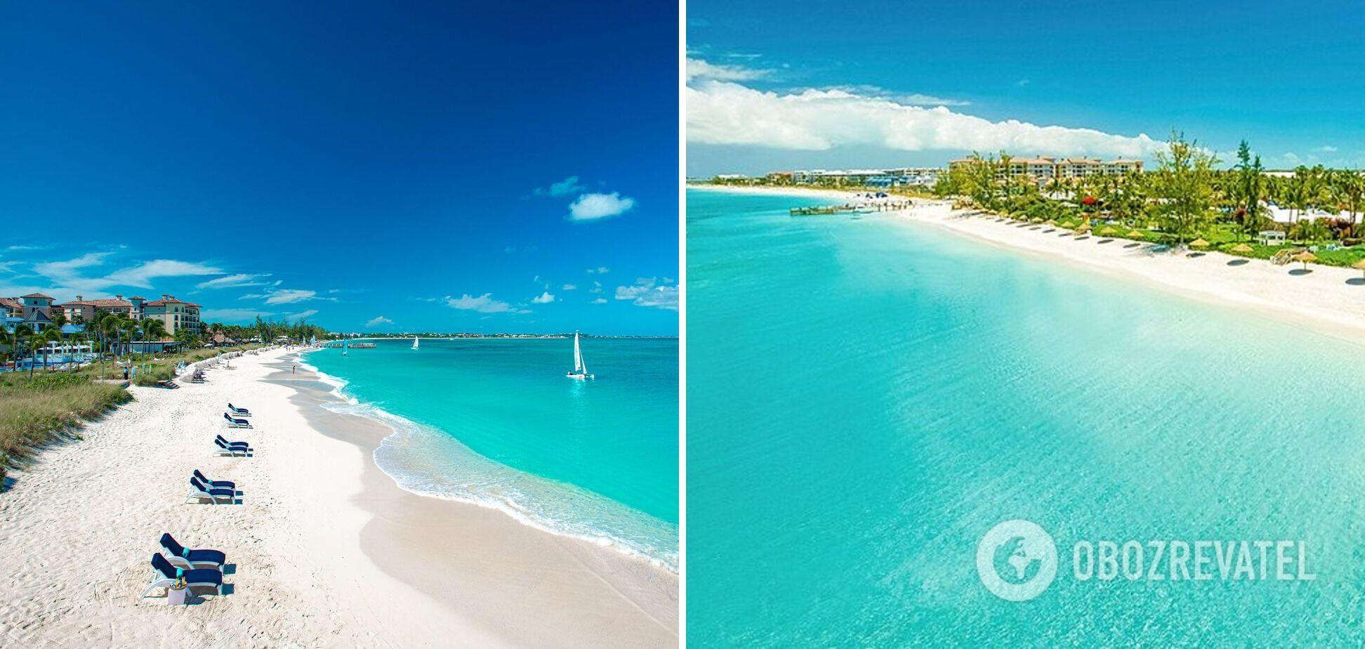 Пляж Грейс-Бей має океан неймовірного блакитного кольору.