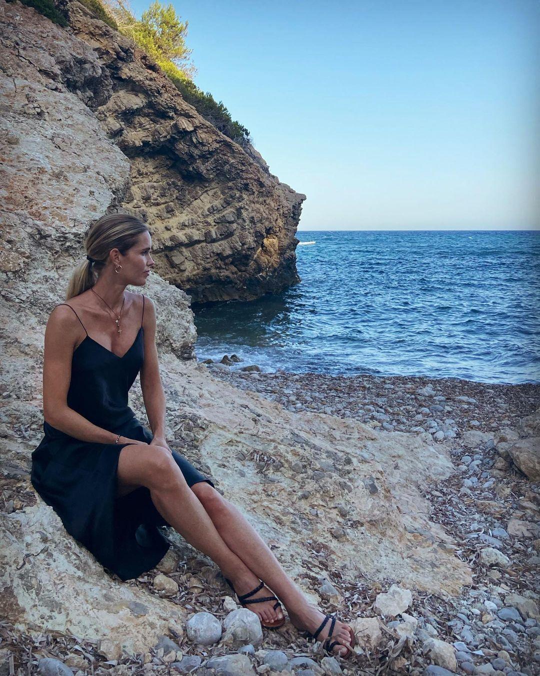 Элен Сведин на берегу