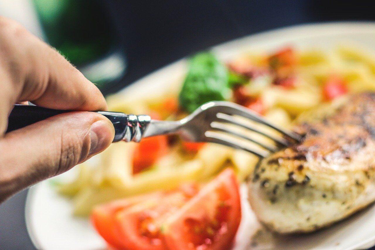 Диетологи рекомендуют есть одно белковое блюдо в каждый прием пищи