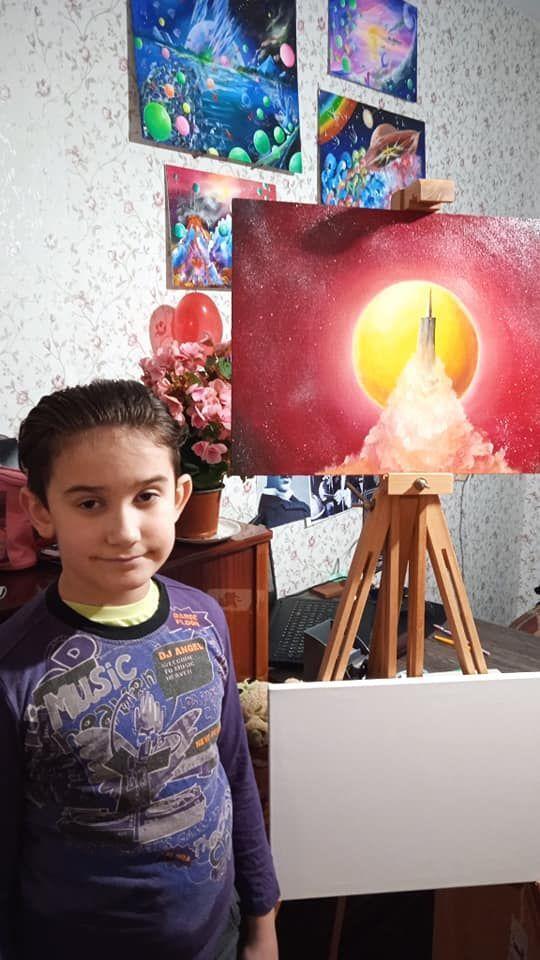 Мальчика называют украинским Пикассо