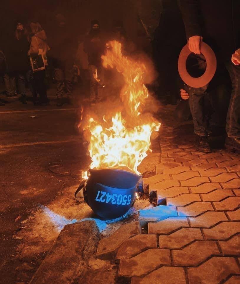Сожгли шлемы