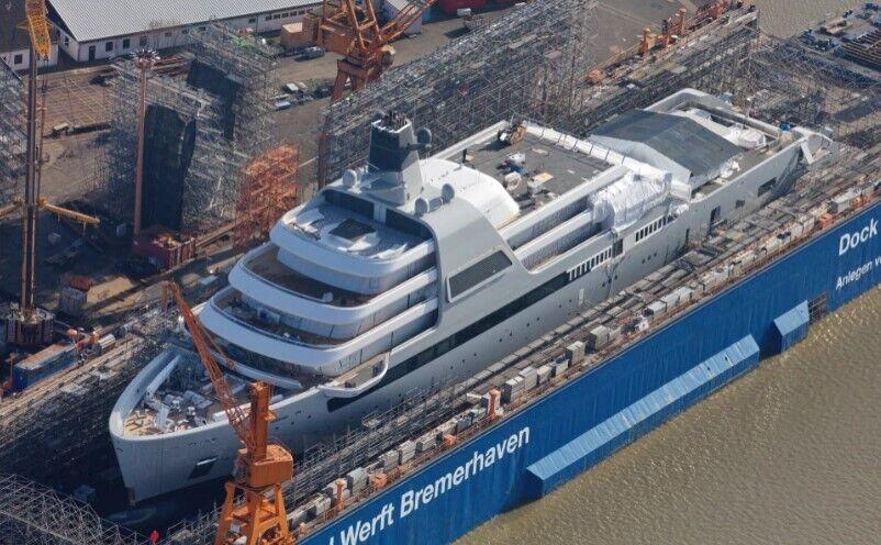 Яхта Романа Абрамовича на этапе завершения строительства