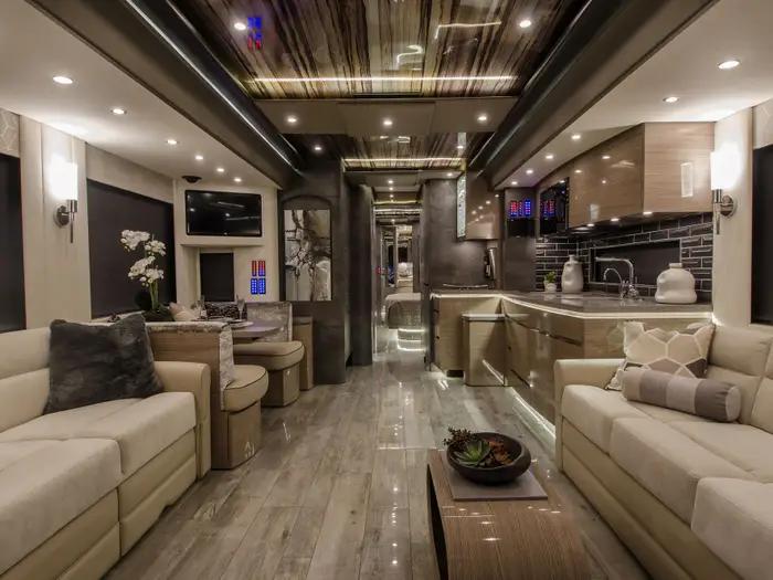 За $2 000 000 Newell RV предлагает роскошный интерьер