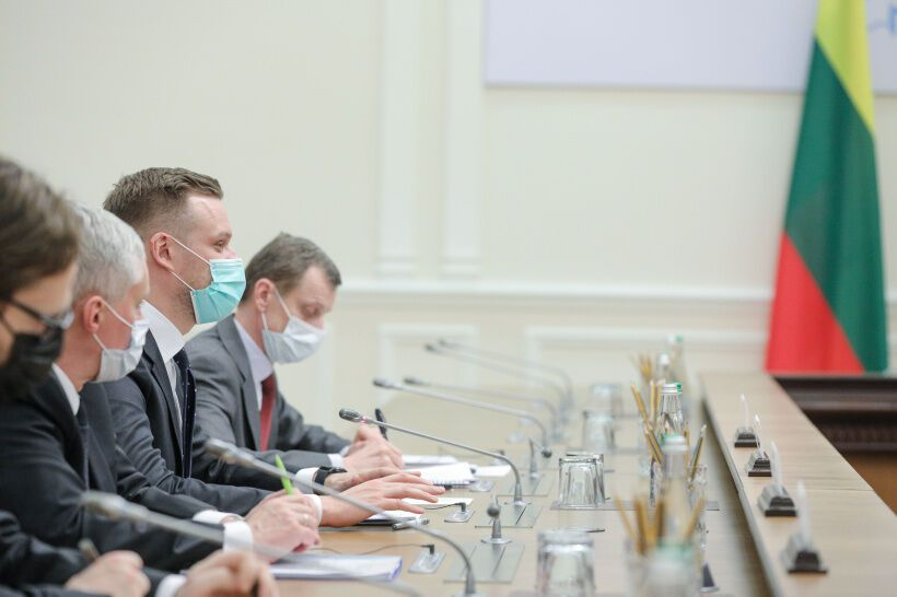 Ландсбергис в ходе встречи с украинским премьером