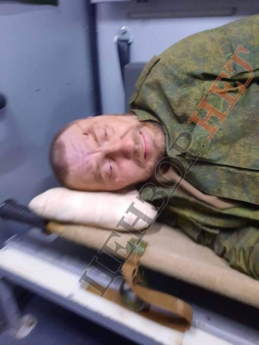 Воин ВСУ подстрелил террориста.