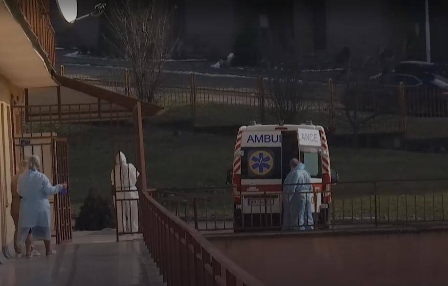 У лікарні постійно привозять нових пацієнтів