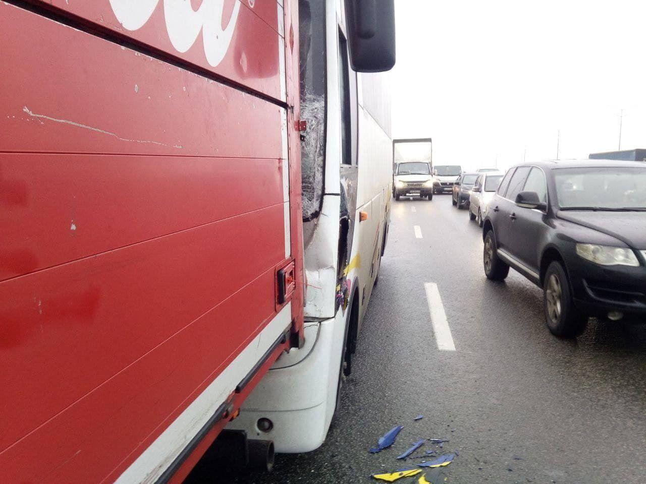 Пострадал водитель грузовика.