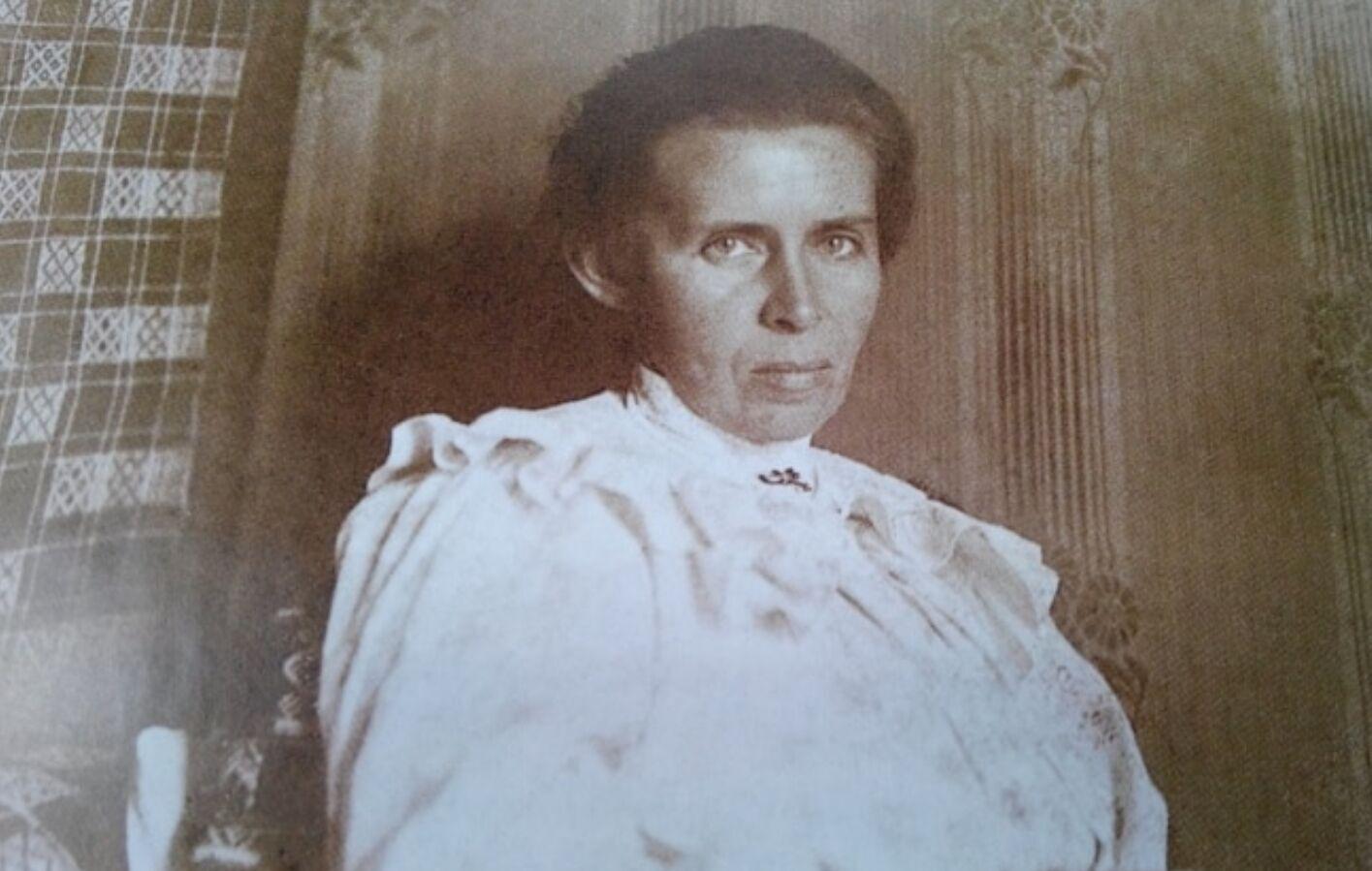 Леся Українка в Києві, травень 1913 року. Фото Юрія Тесленка.