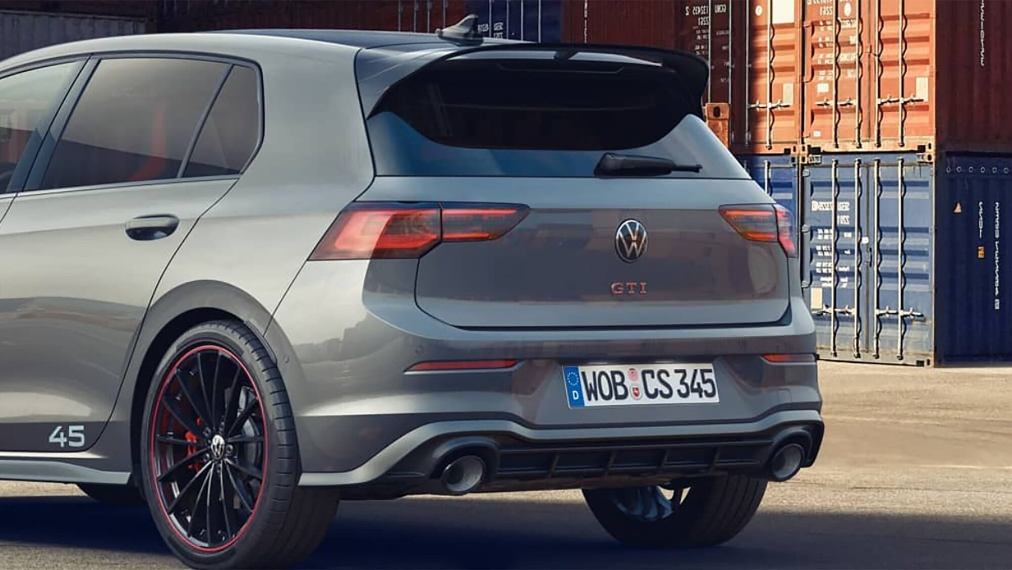 Задня частина Volkswagen Golf GTI Edition 45