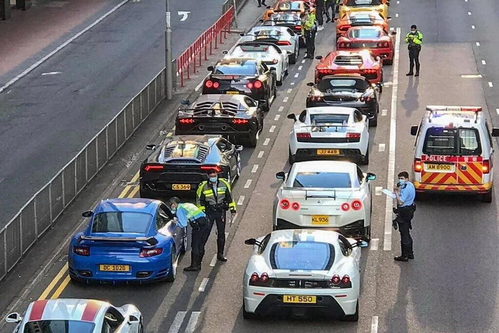 Поліції довелося перекрити дві смуги руху, щоб затримати порушників
