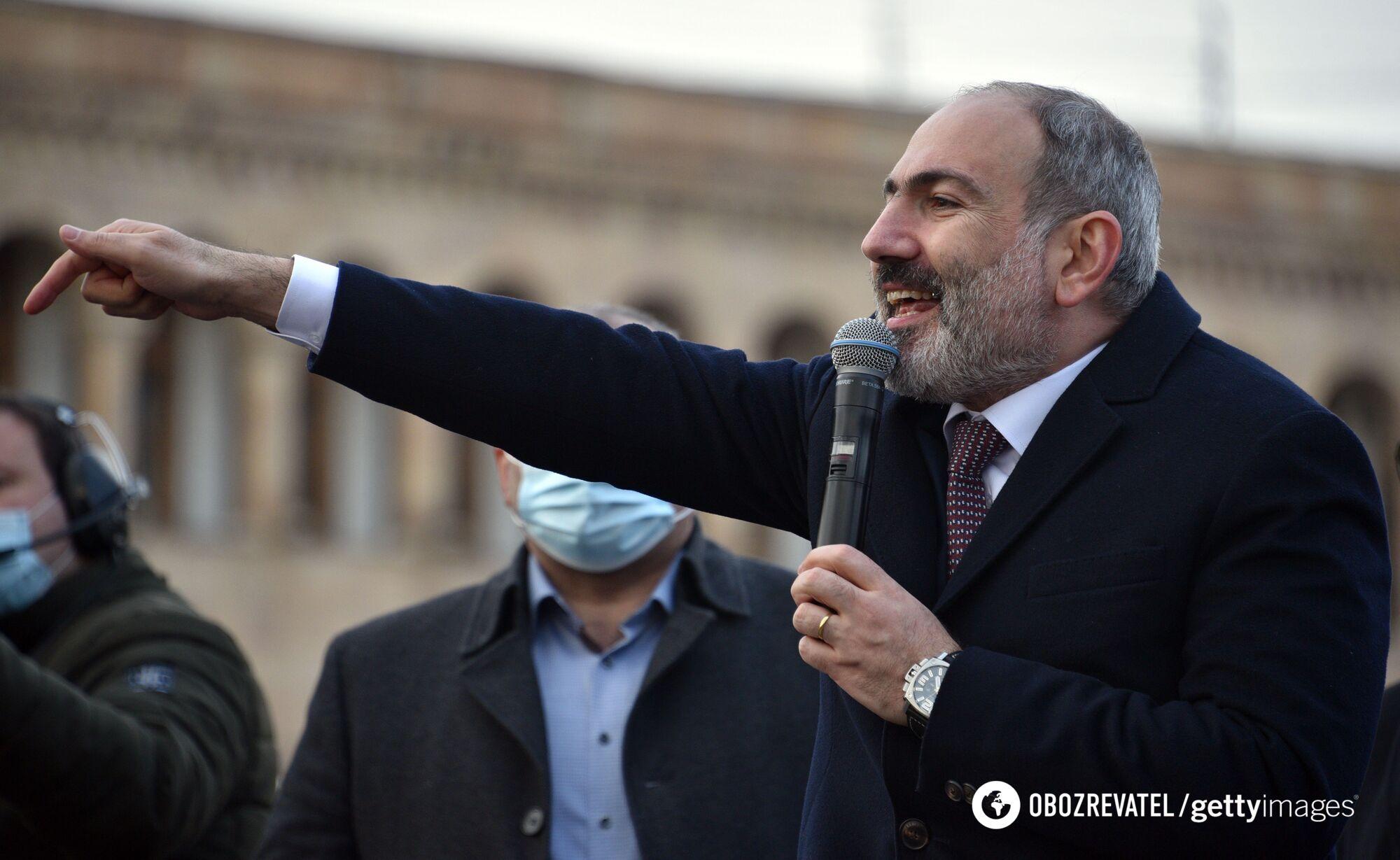Никол Пашинян на акции своих сторонников.
