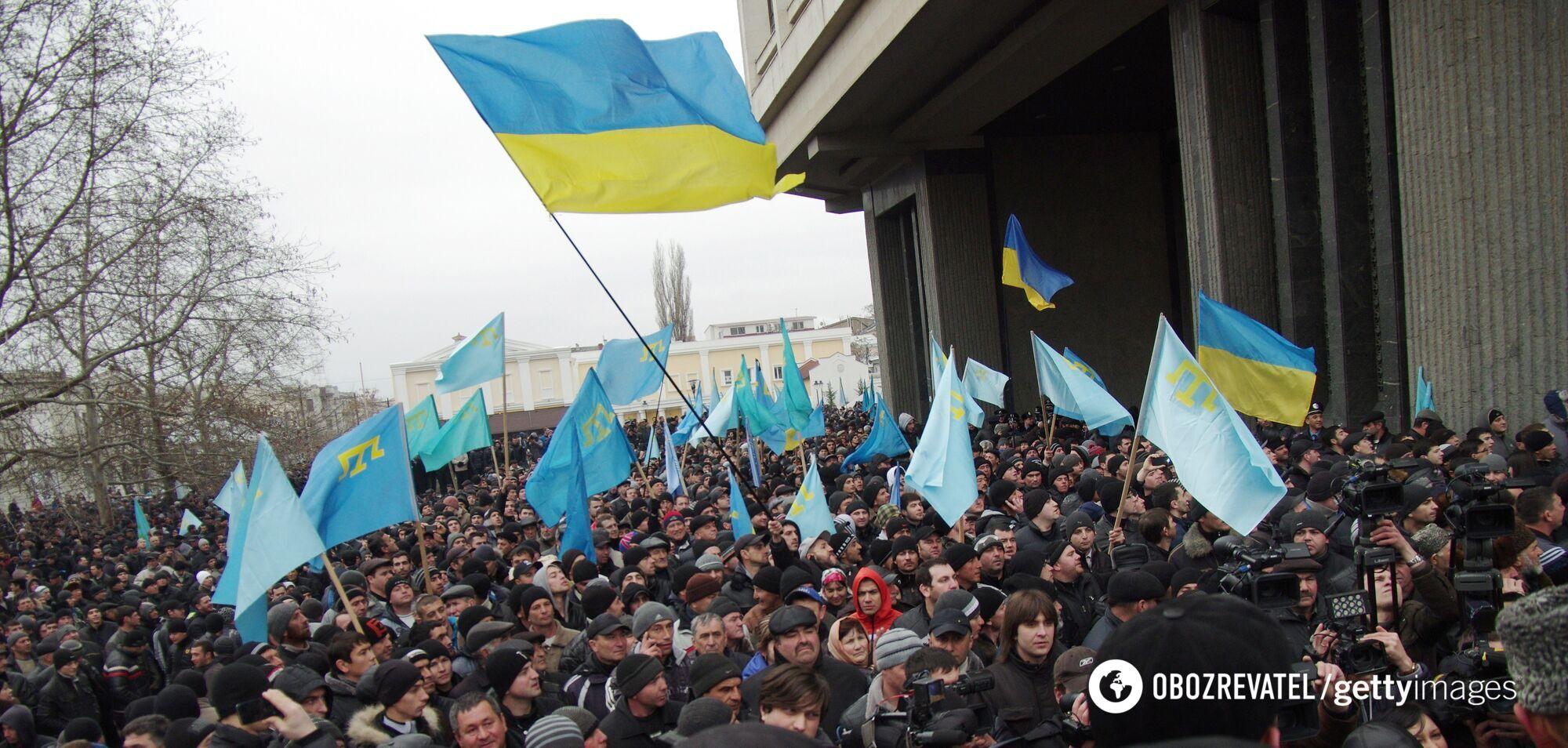 """В ходе митинга Рефат Чубаров заявил, что крымские татары не дадут """"оторвать"""" Крым от Украины"""