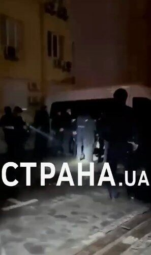 Затримання людей біля офісу ОПЗЖ.