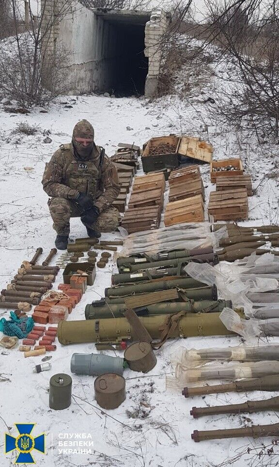 Найденное на Донбассе оружие диверсантов