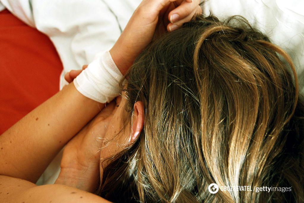 На Полтавщині дві школярки порізали вени