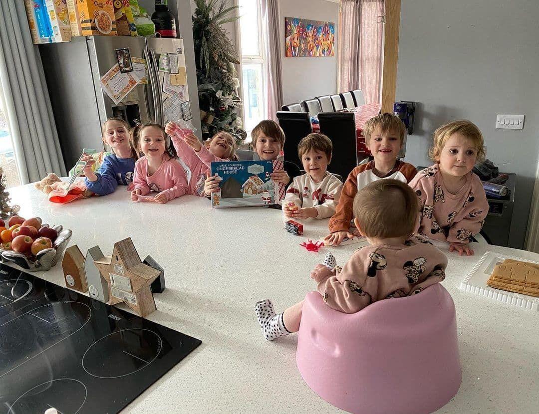 Многодетная семья из Британии