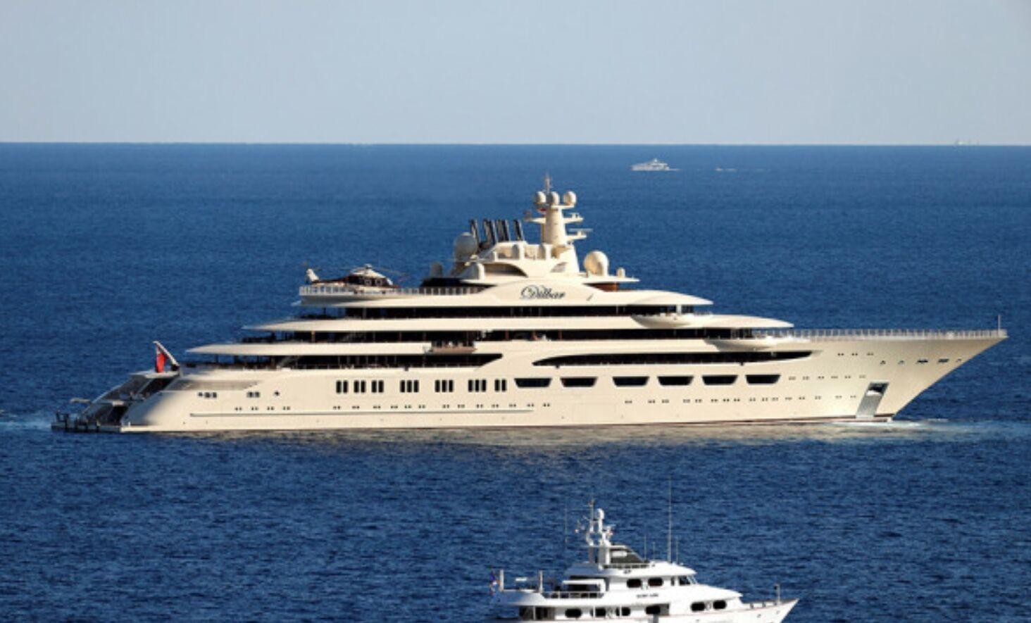 Усманов назвал свою яхту Dilbar в честь матери.