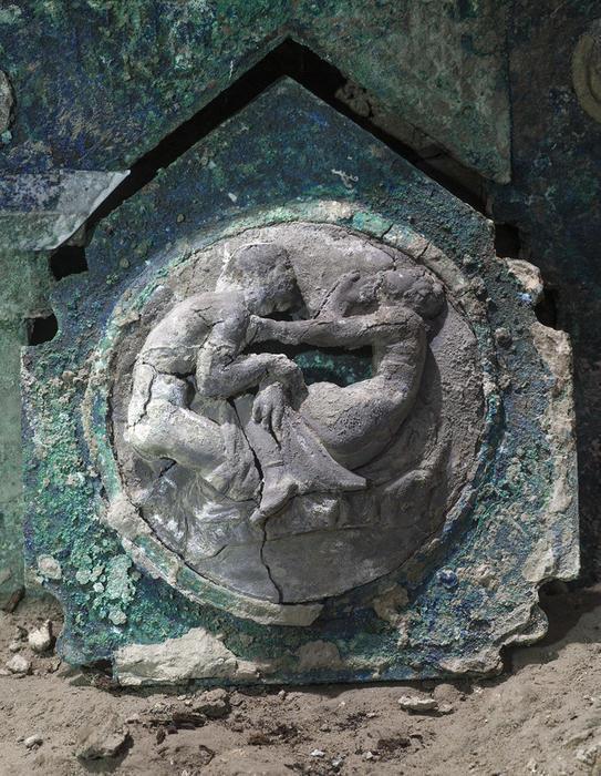 В Помпеи нашли колесницу