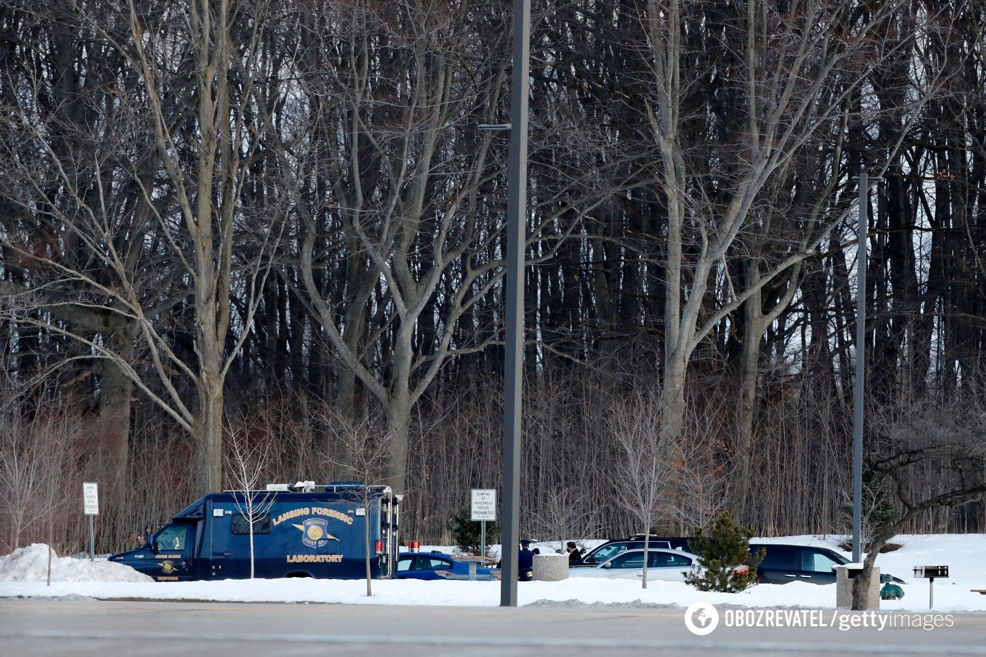 Поліція штату Мічиган розслідує місце, де було знайдено тiло