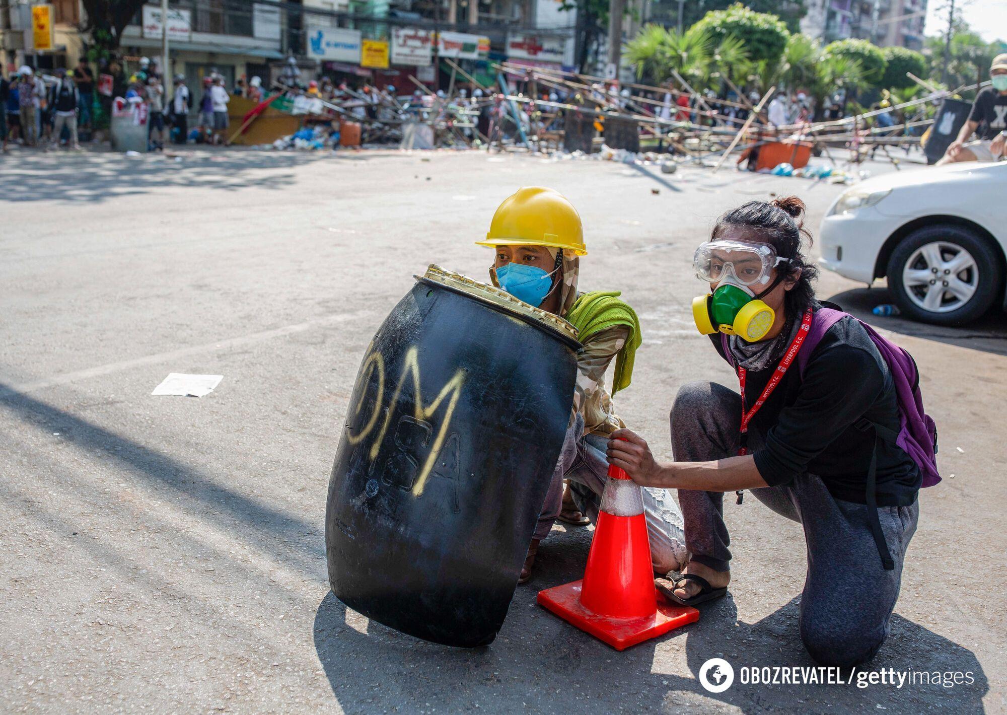 Протестувальники проти військового перевороту