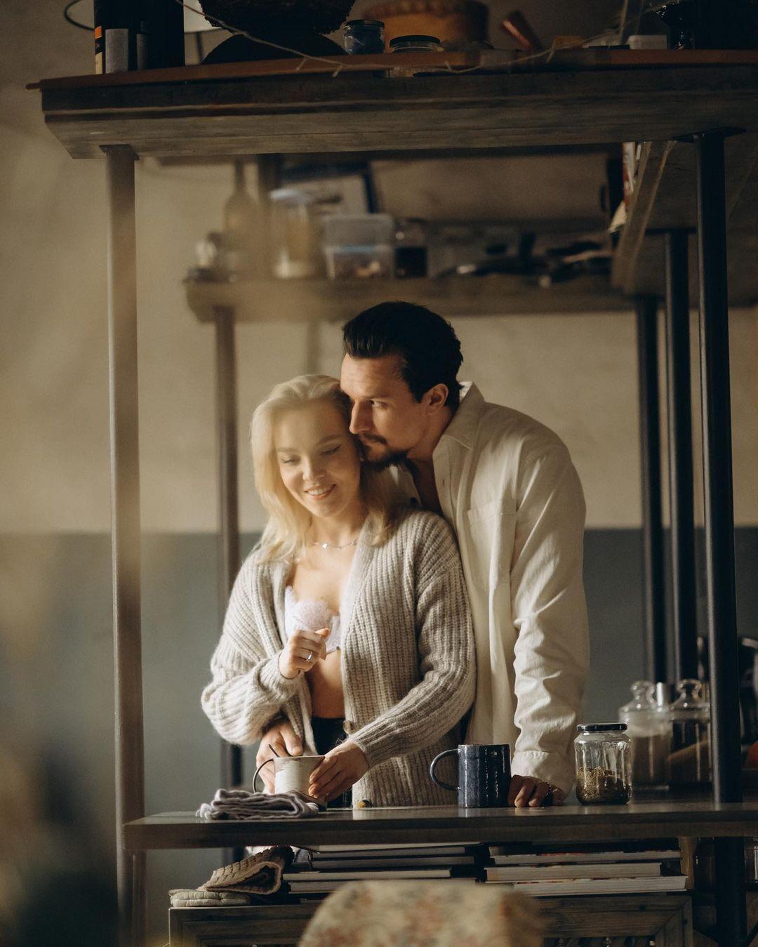 Тарас Цимбалюк зі своєю коханою Тіною Антоненко