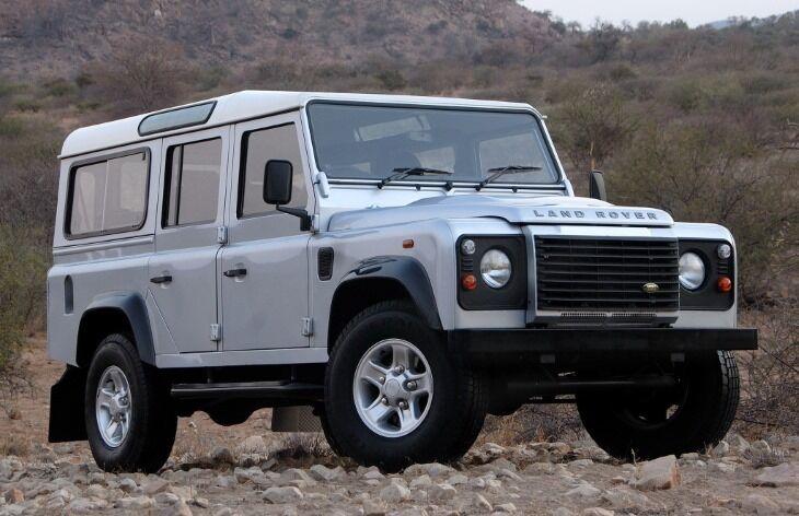 Энтузиасты полюбили классический Land Rover Defender за проверенную конструкцию, надежность и выносливость
