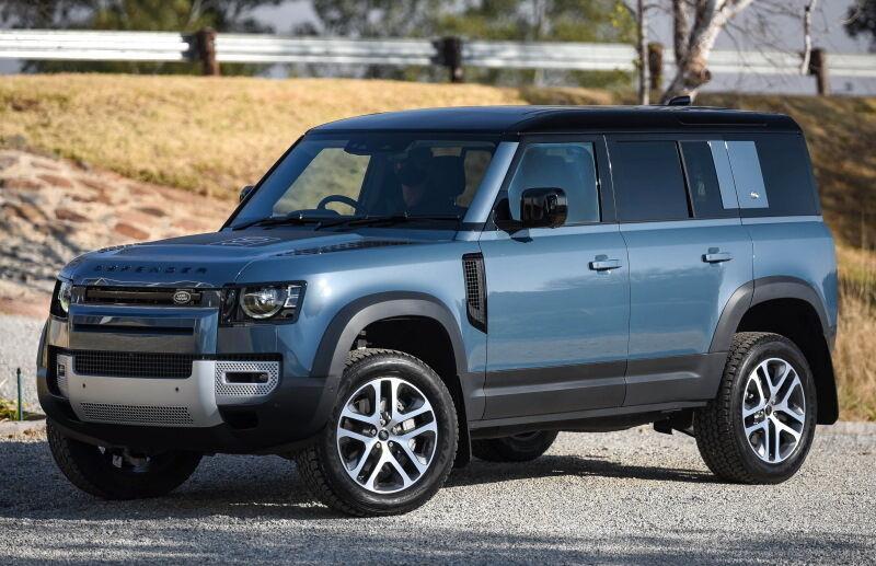 Современный Land Rover Defender выглядит совсем по-другому и сильно изменился с технической точки зрения