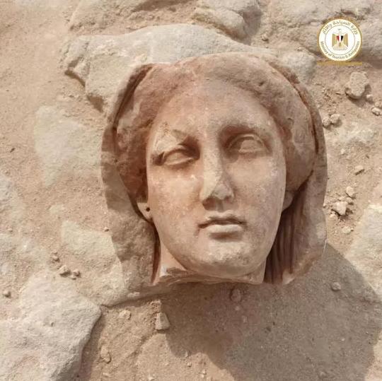 Статуя из захоронения
