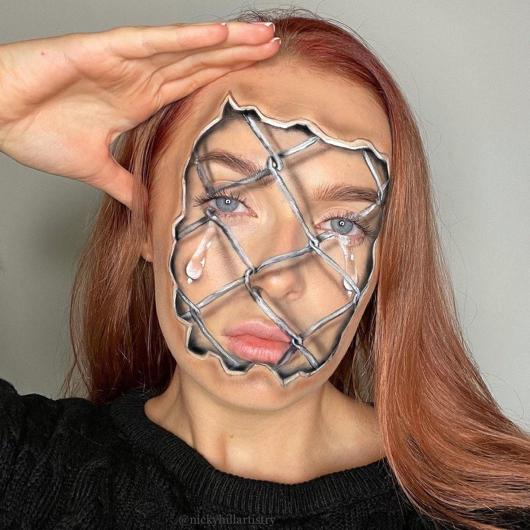 Який вигляд має макіяж Нікі Гілл