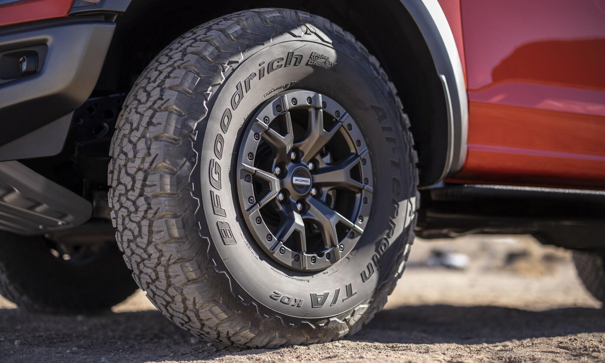 Впервые для серийное версии предлагаются шины на 37 дюймов