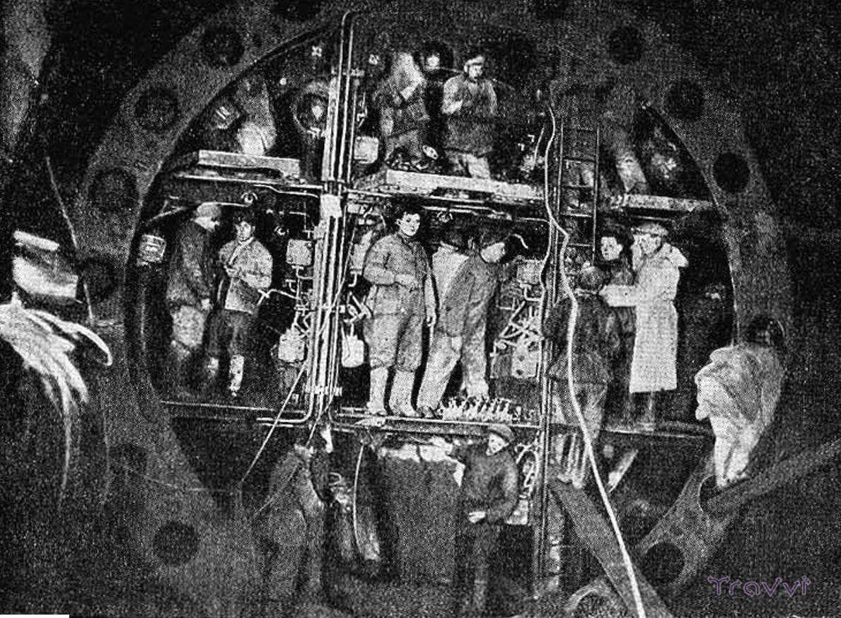 В день строили до 70 сантиметров тоннеля