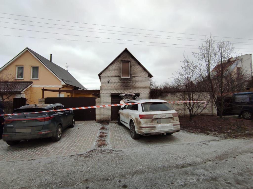 Дом, в который бросили гранату