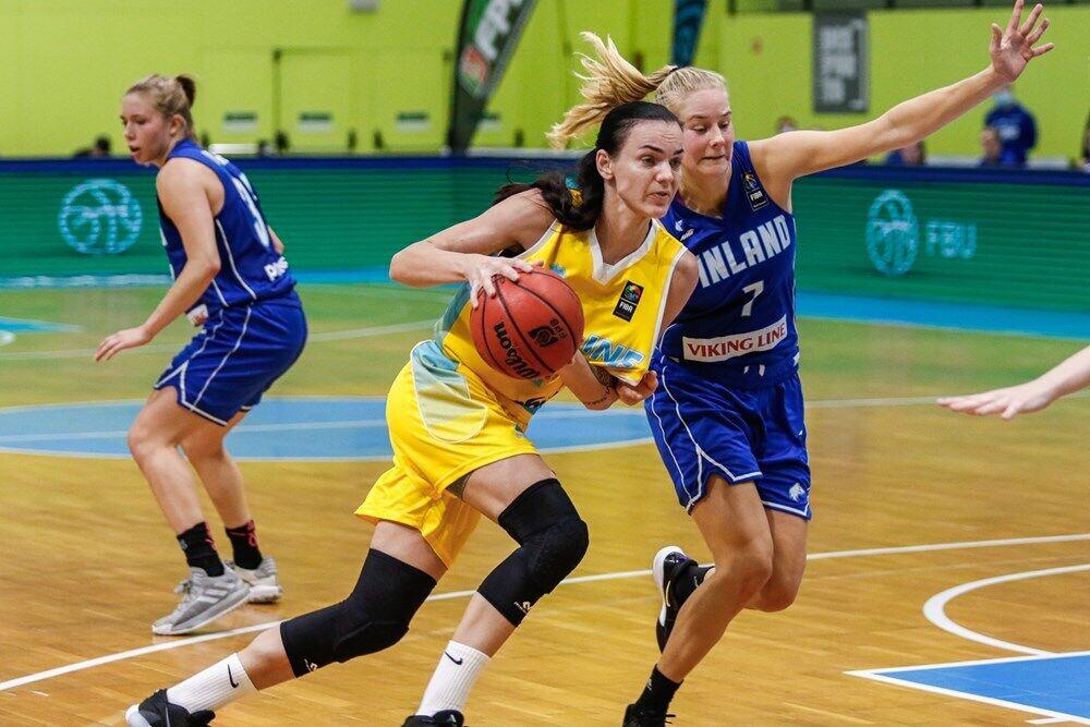 Українки обіграли суперниць у першому матчі 84:6.