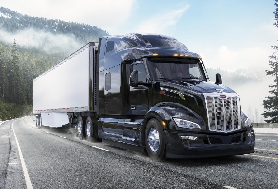 Американская компания Peterbilt начала прием заказов на новейший флагманский магистральный тягач Peterbilt 579