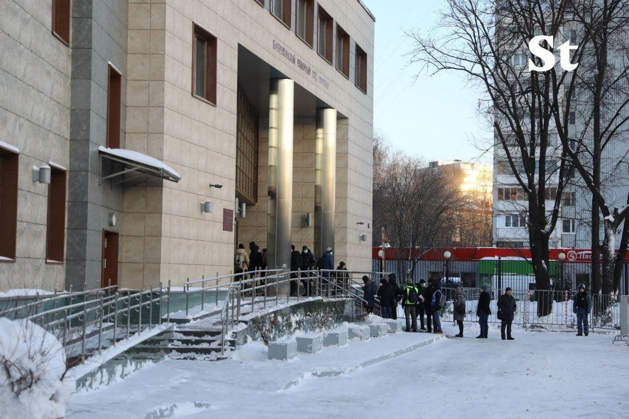 В Москве судят Навального