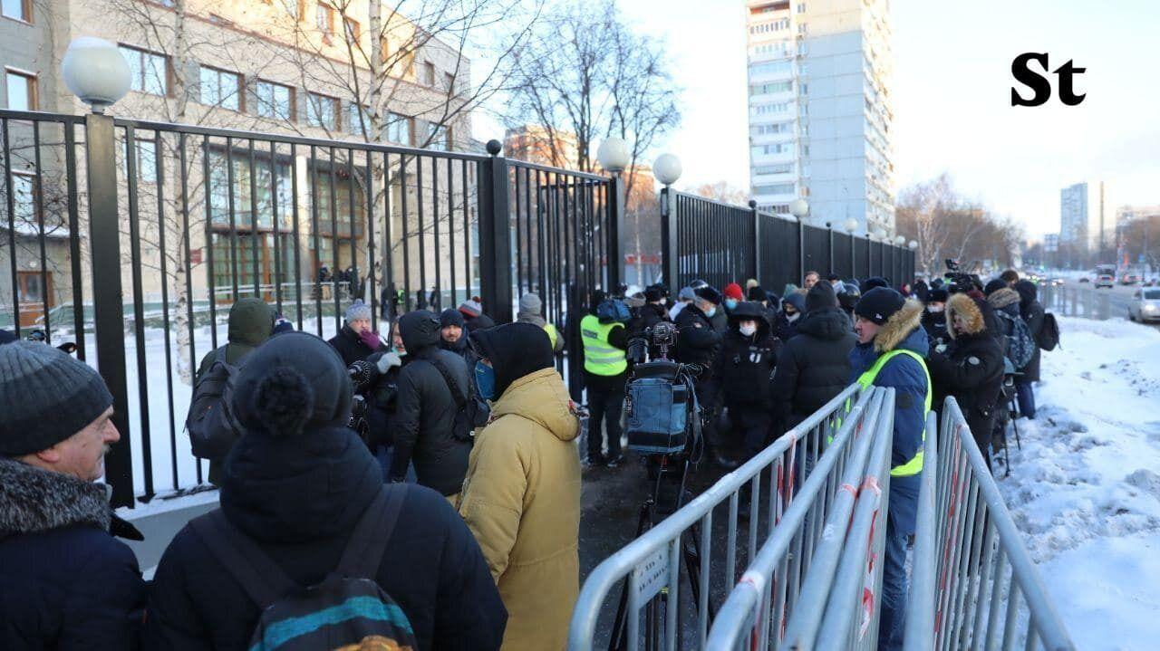 Журналисты пришли на заседание по очередному делу Навального