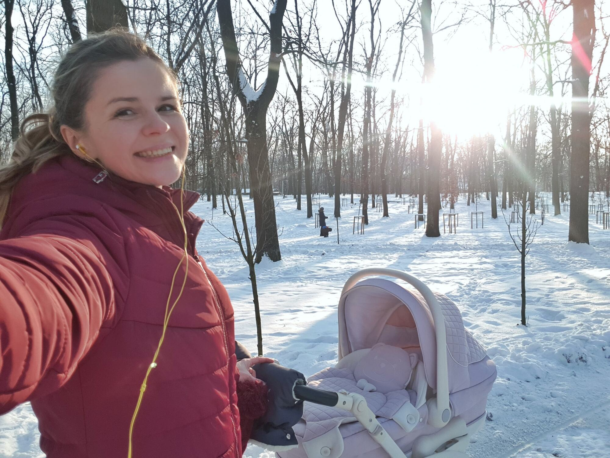 Бабич із донькою на прогулянці
