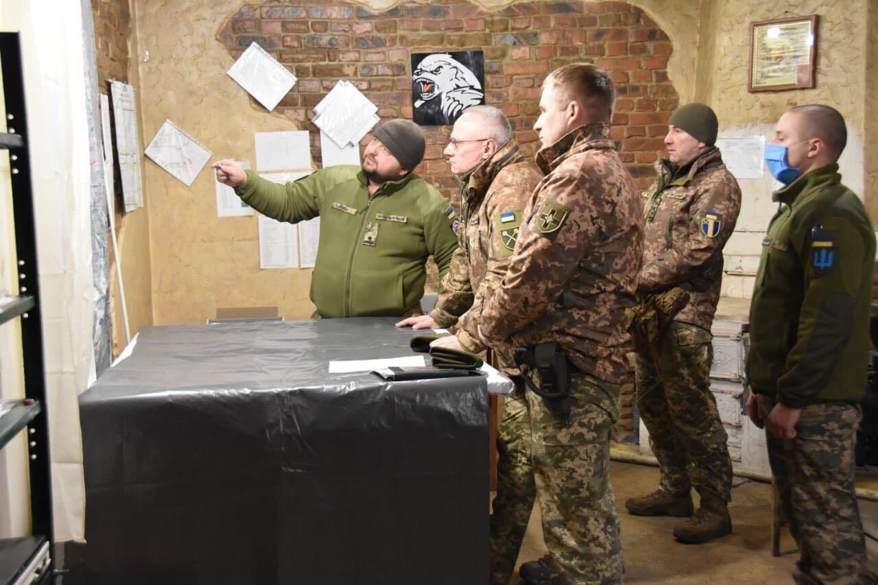 Хомчак проверил боеготовность ВСУ на Донбассе.