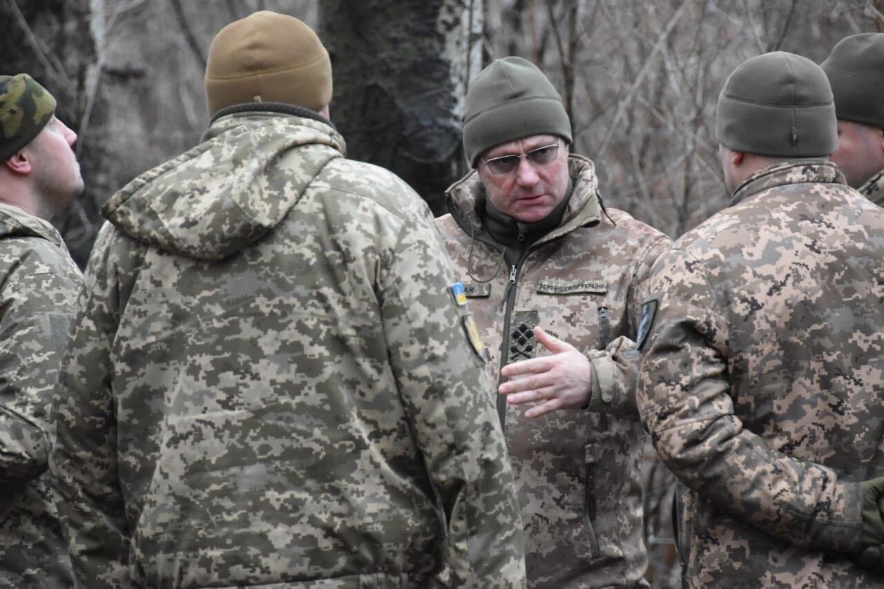 Хомчак совершил поездку в зону ООС на Донбассе.