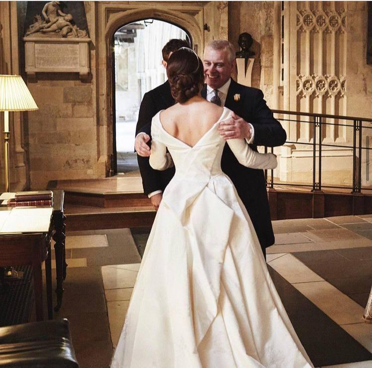 Принц Ендрю з донькою Євгенією на весіллі