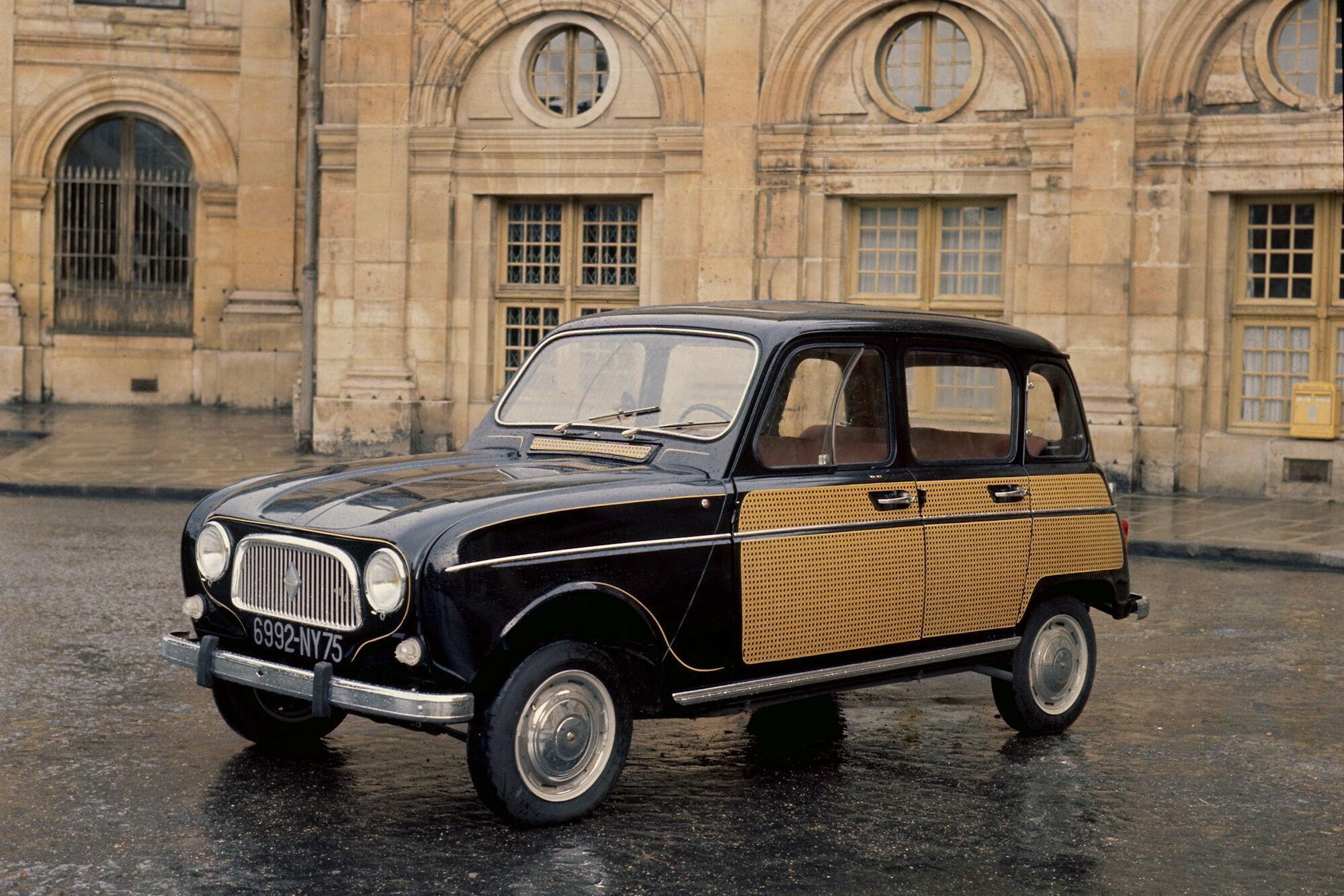 """С 14 февраля L'Atelier Renault будет показывать """"парижскую"""" версию 4L, отличающуюся уникальным плетеным рисунком на кузове"""