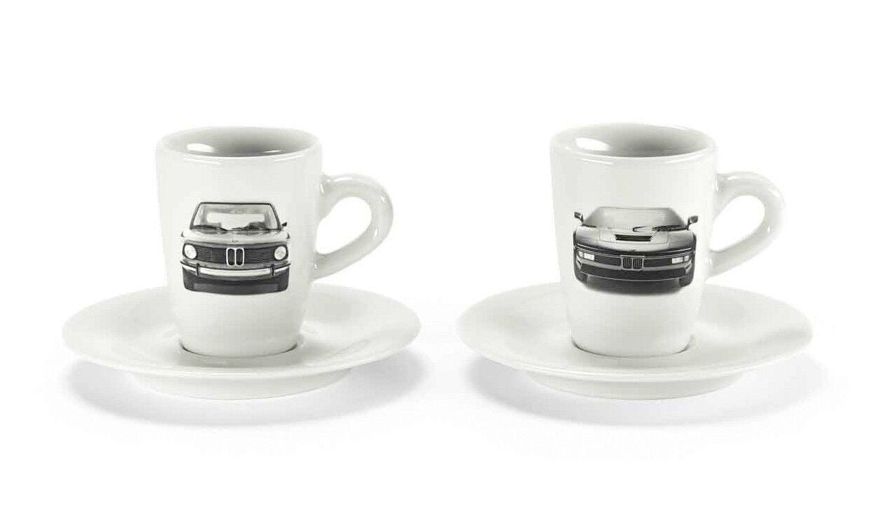Витончені чашки з міцною ароматною кавою скрасять будь-який дощовий ранок