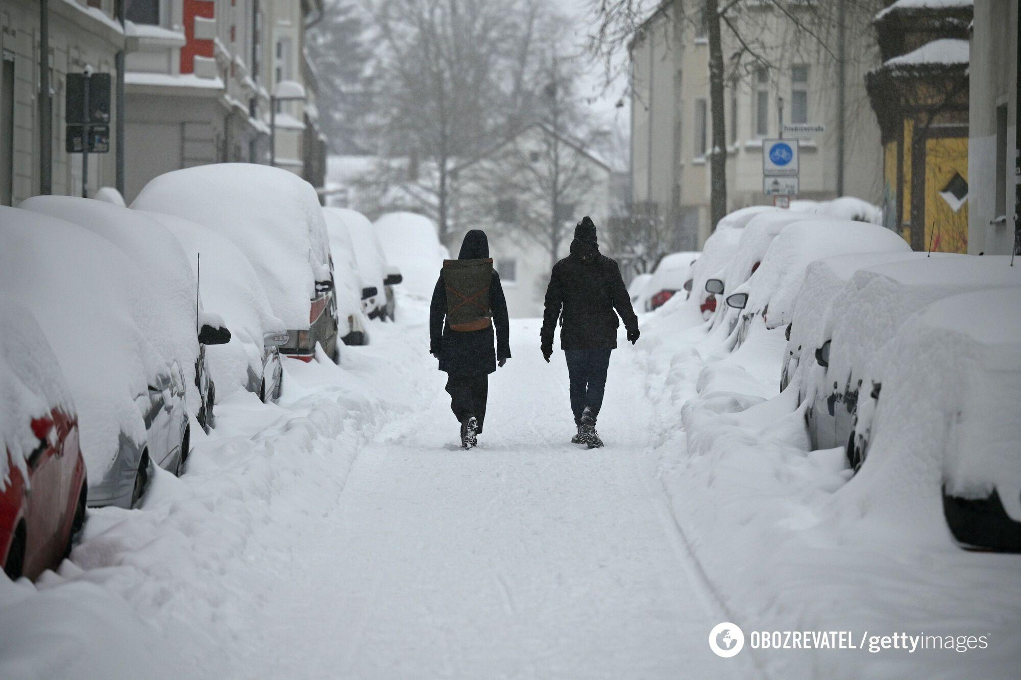 Висота снігового покриву місцями сягала 1 метра.