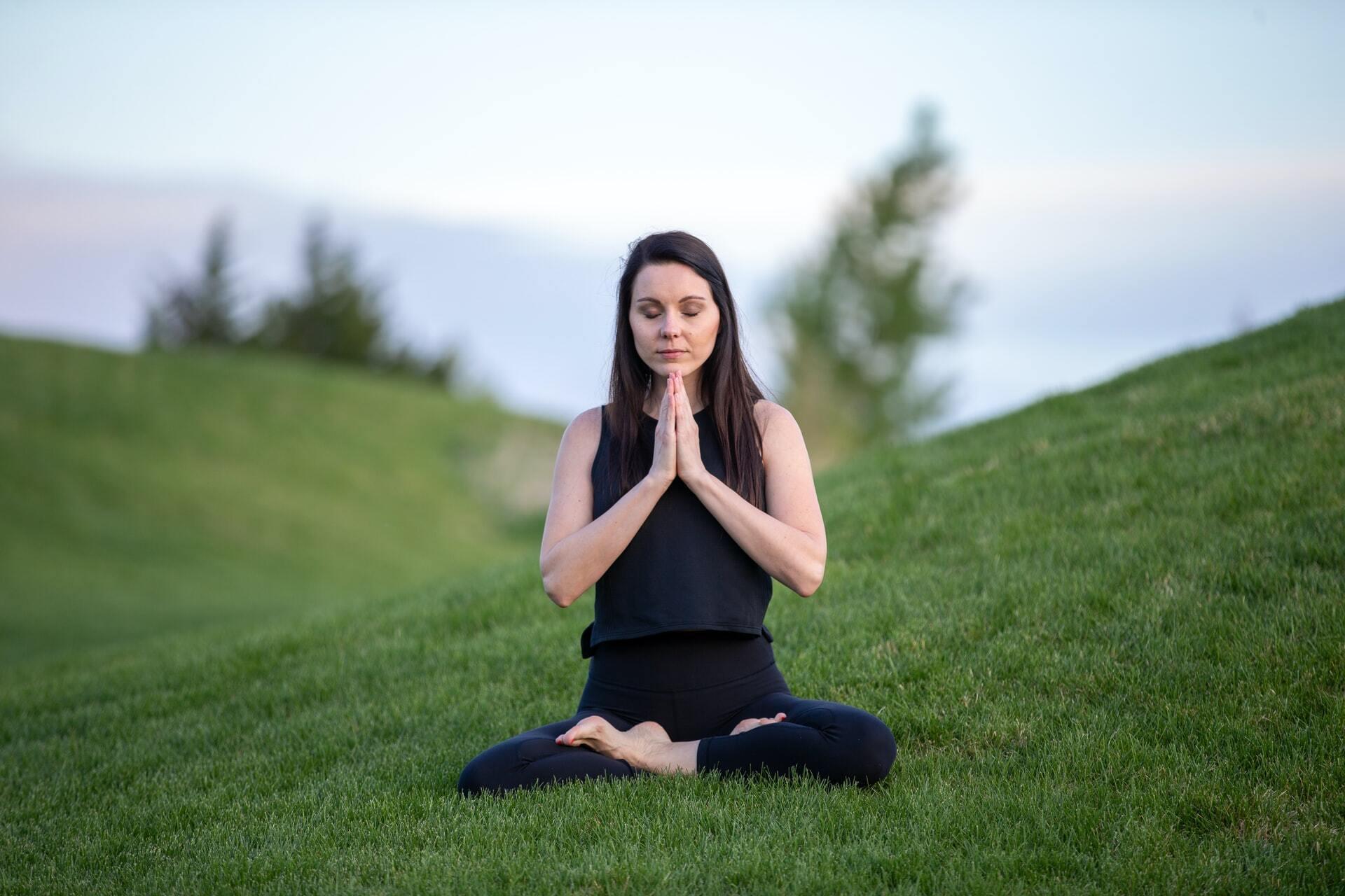 Практика медитації може допомогти знизити рівень кортизолу