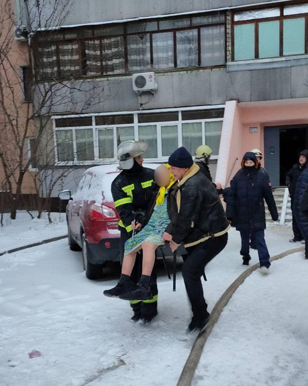 Рятувальники евакуювали мешканців будинку, де сталася пожежа