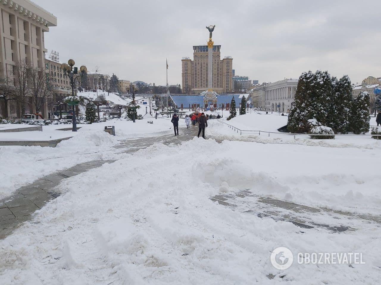 Центре Киева дороги очищены